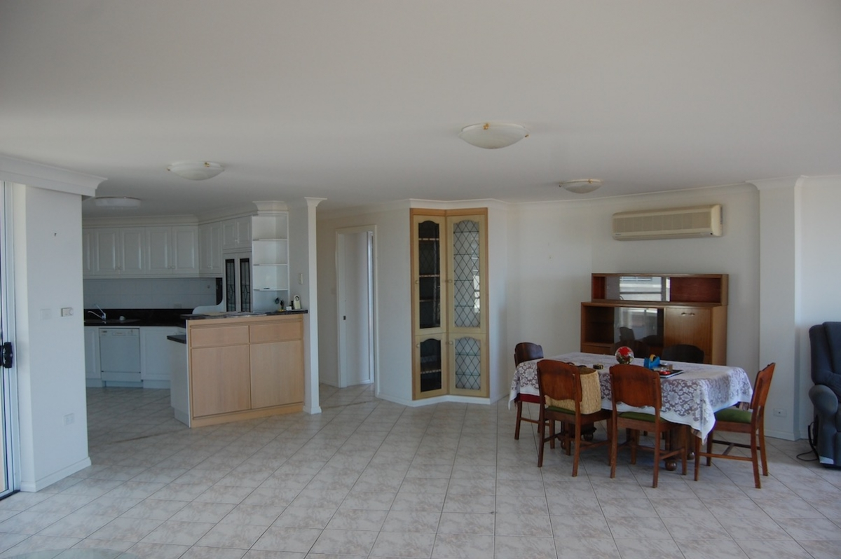 livingroom before-stewart str