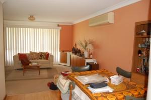 livingroom 2 before-granite str